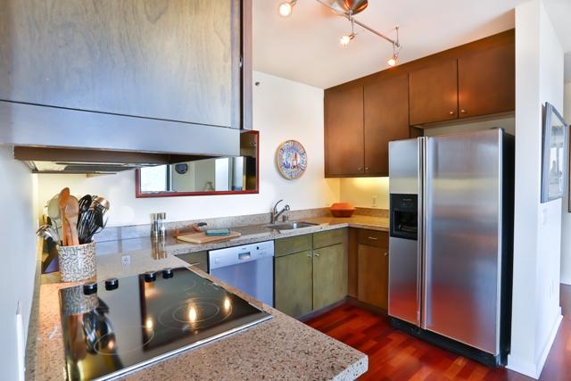 Kitchen facilitites at 199 New Montgomery Apartments