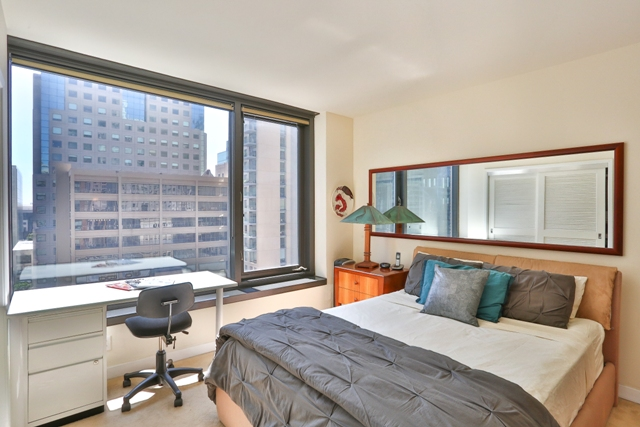 Cosy bedroom at 199 New Montgomery Apartments
