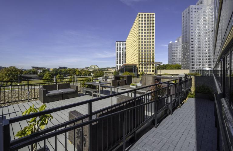 Outdoor Terrace at River Vue Apartment