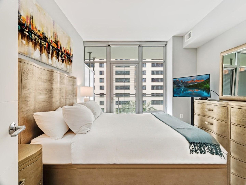 Gallery Bethesda II Apartments, Bethesda - SilverDoor