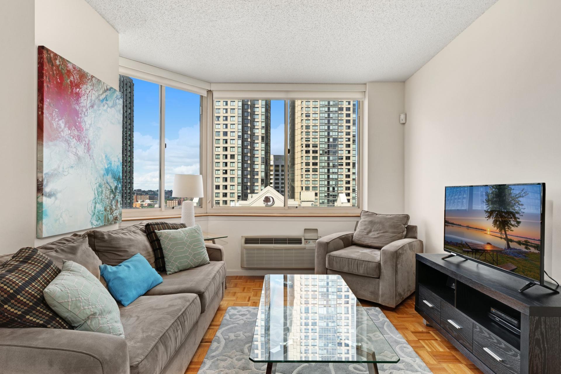 Living room at Marbella Washington Boulevard Apartments, Centre, Jersey City