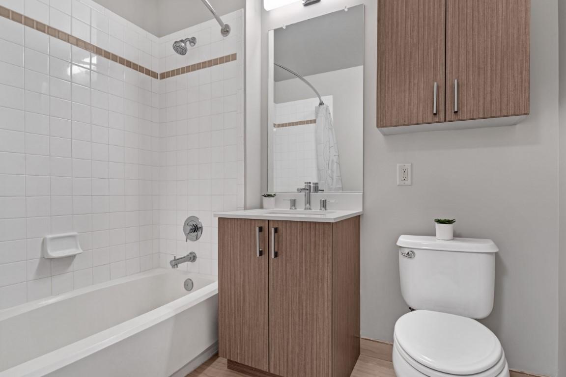 Bath at Marbella Washington Boulevard Apartments, Centre, Jersey City
