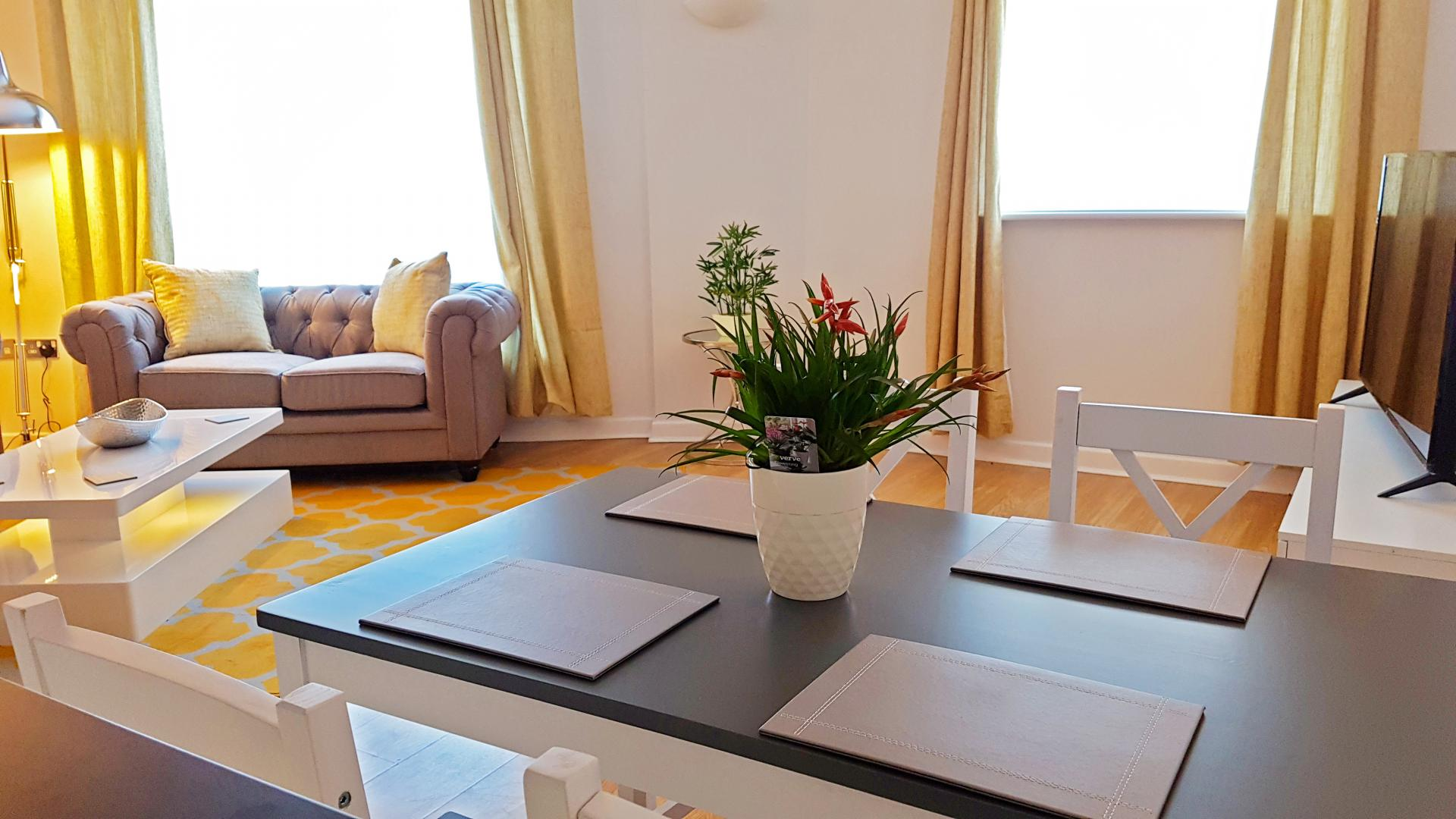Dining Area at Alpha House Apartment, Centre, Northampton