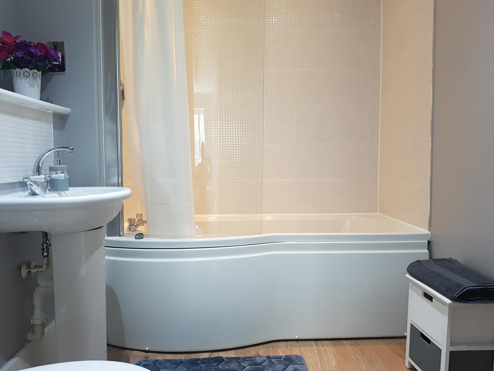Bathroom at Alpha House Apartment, Centre, Northampton