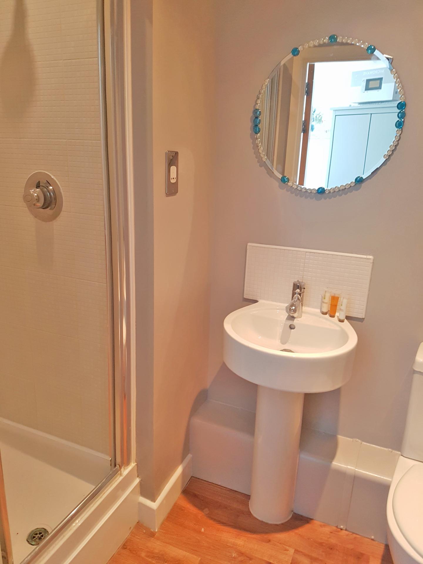 En-suite shower room at Alpha House Apartment, Centre, Northampton
