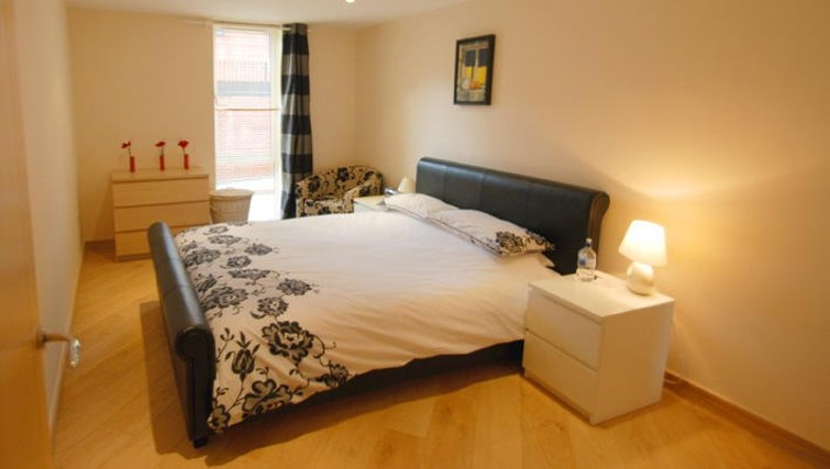 Bright bedroom at Printing House Square