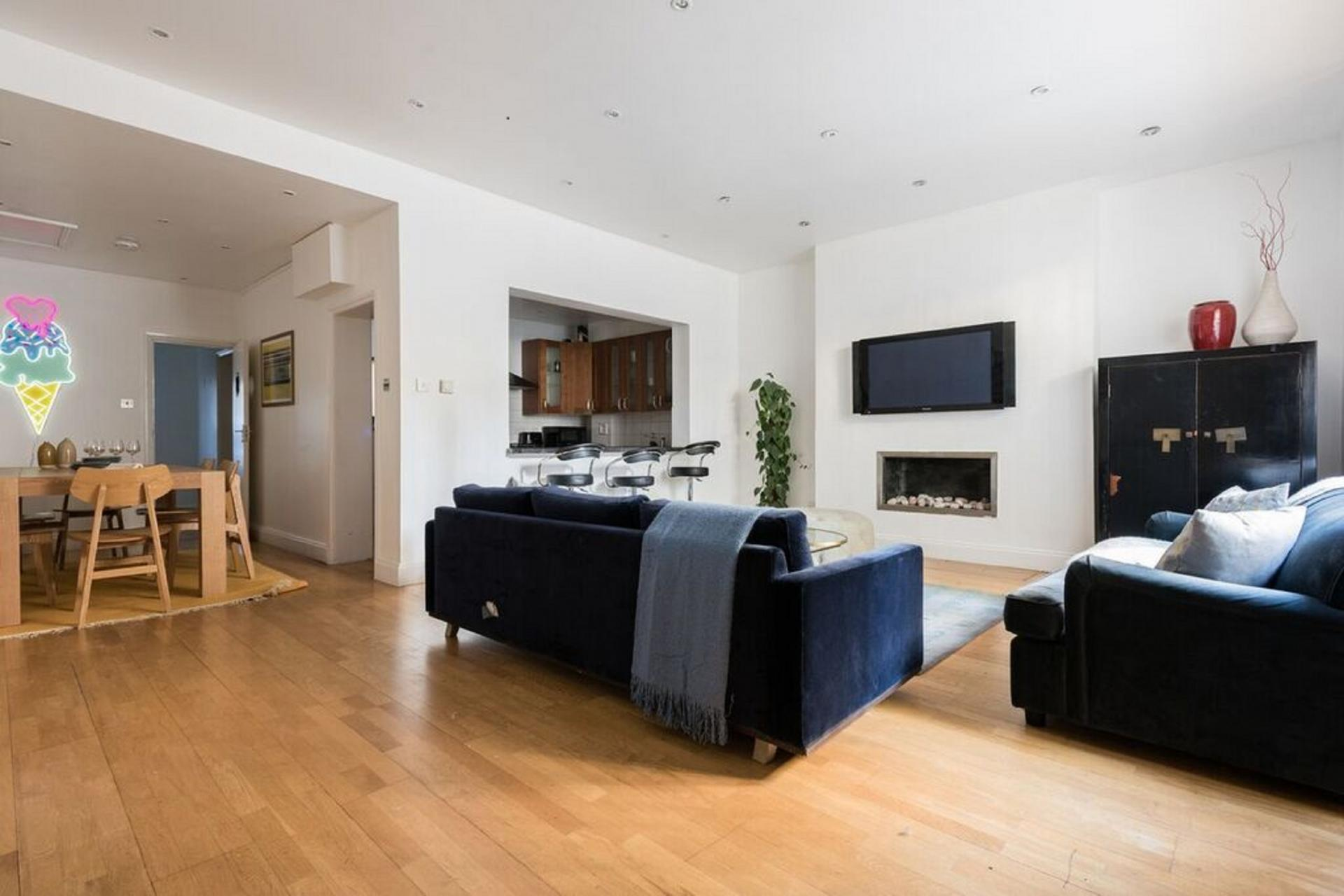 Spacious living area at The Bayswater Gardens House, Bayswater, London