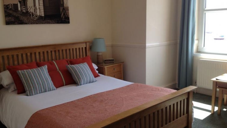 Delightful bedroom in Eastern Esplanade Apartments