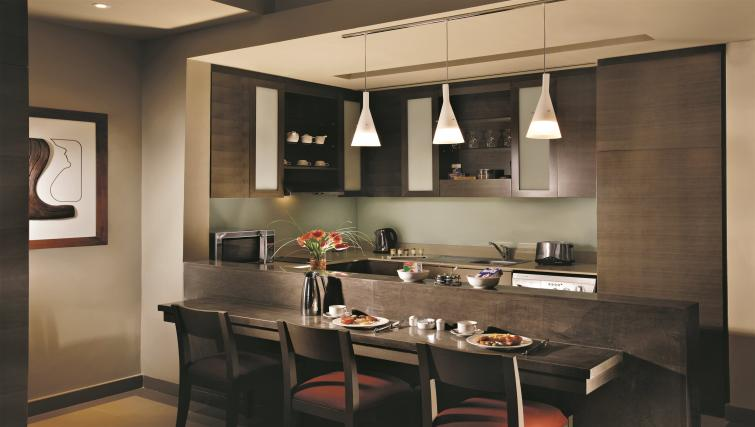 Outstanding kitchen in Park Arjaan Apartments