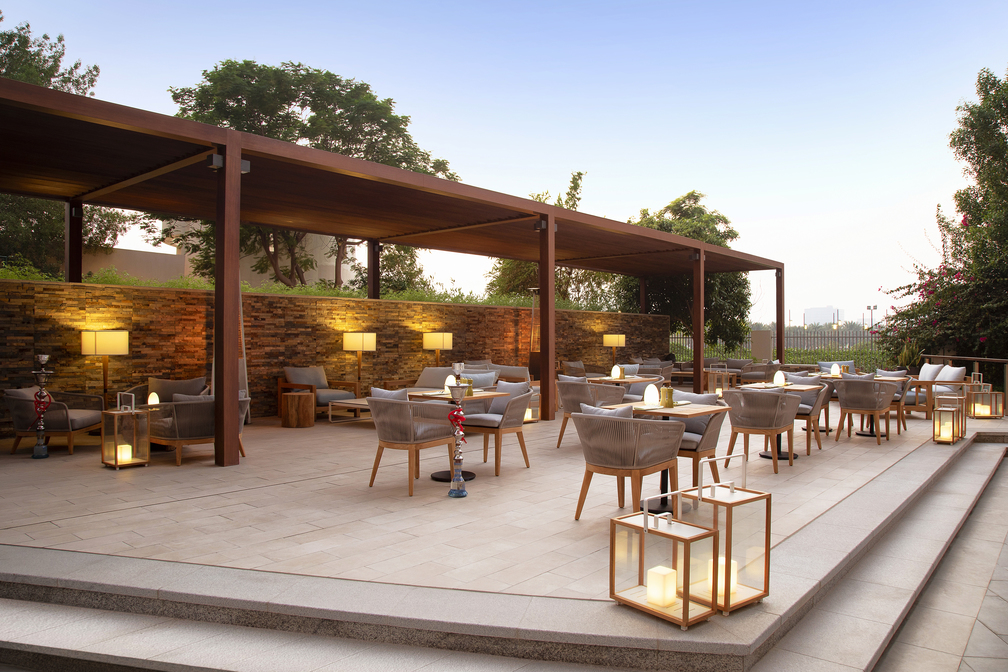 Outdoor dining at Park Arjaan Apartments