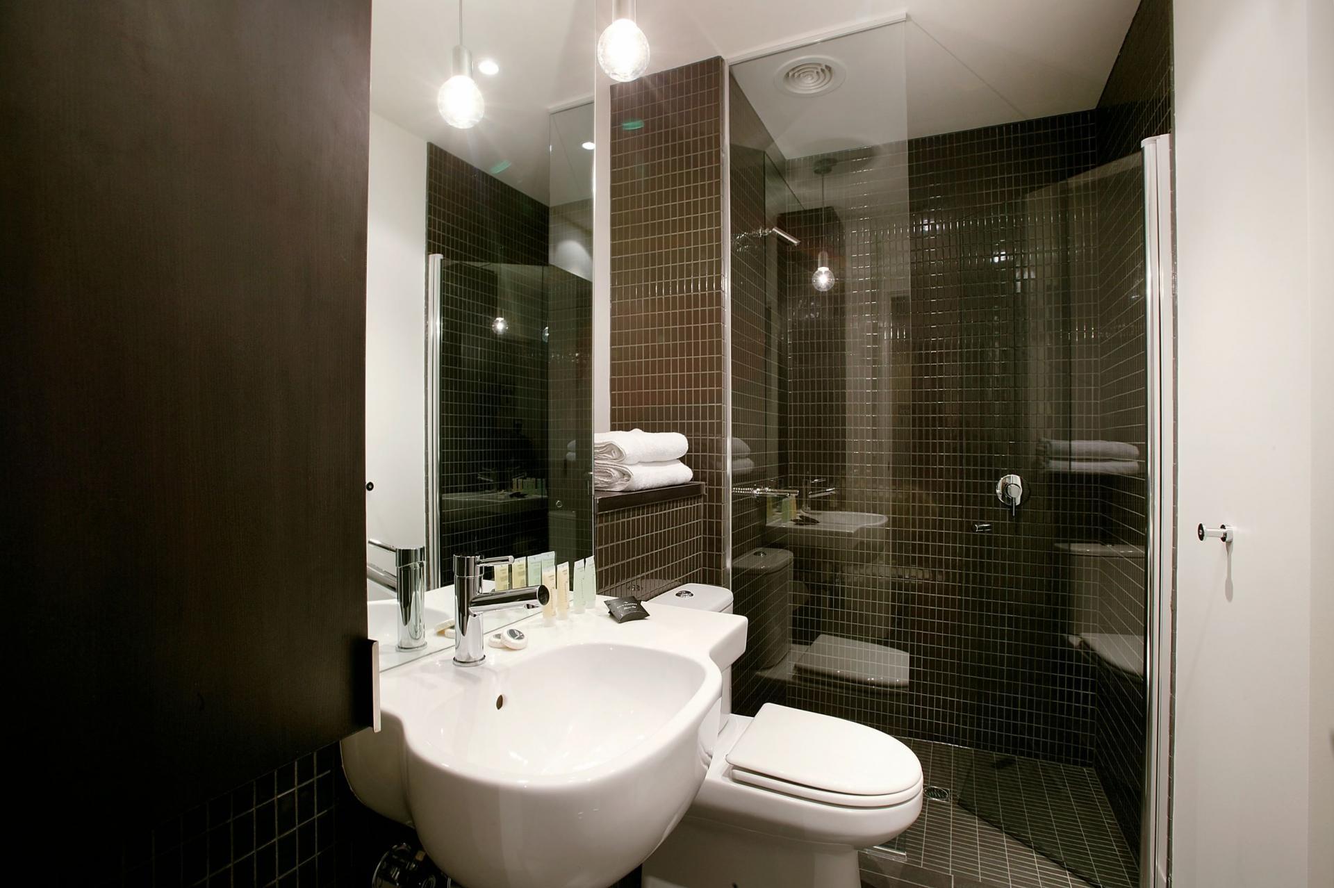 Bath at South Yarra Grand Apartments