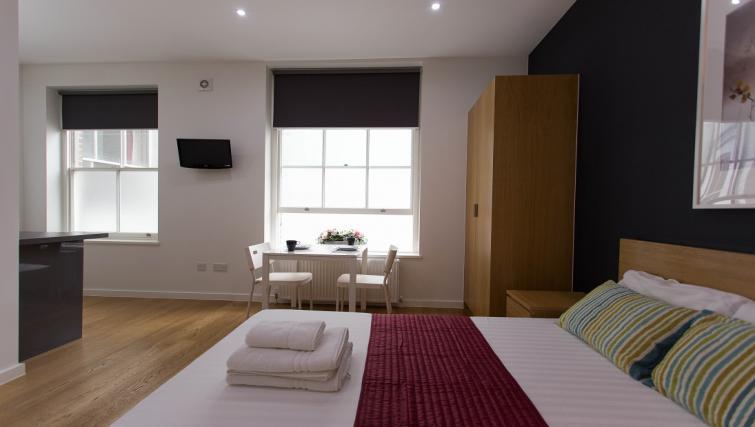 Double studio bed at Ladbroke Studios and Apartments