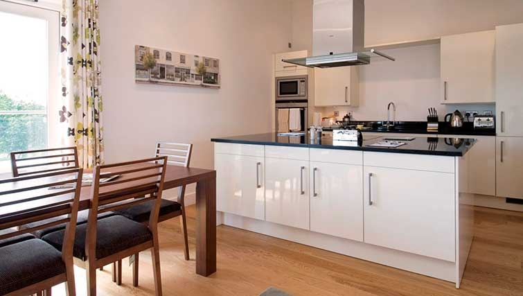 Modern kitchenin The Hamiltons Apartments