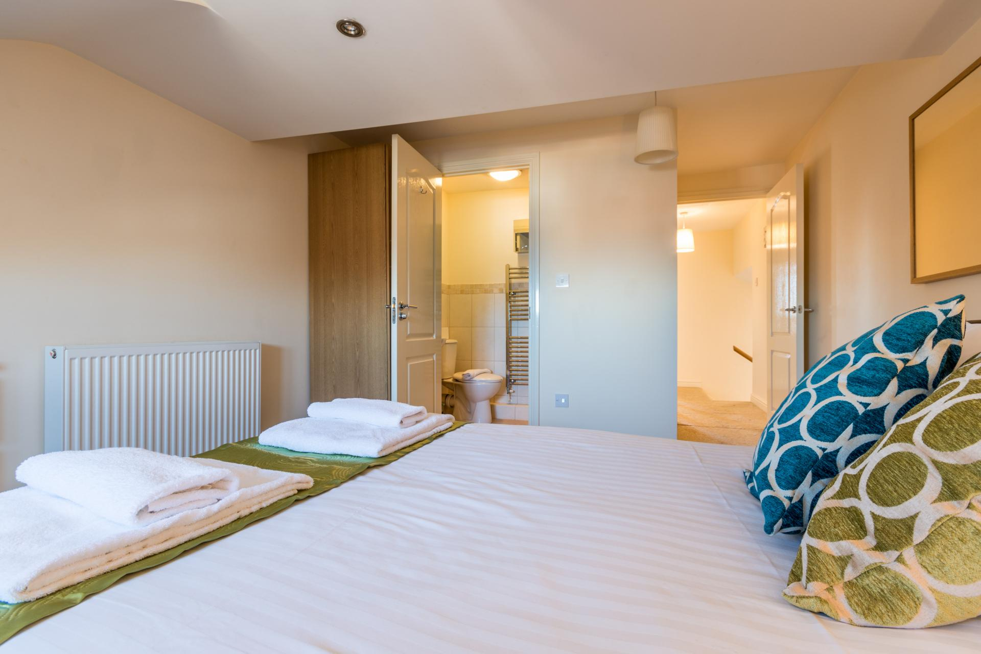 Double bed at Westlecot House Apartments