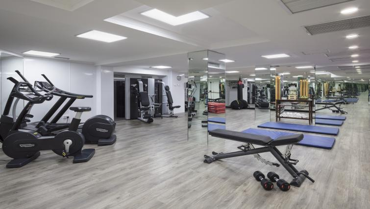 Fitness centre at Melia White House Apartments