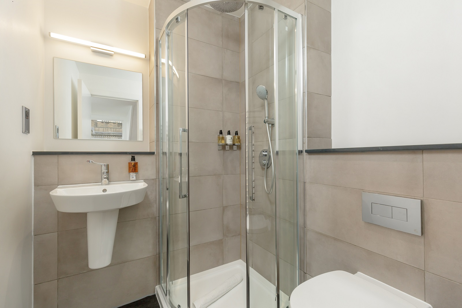 Shower at Hanover Serviced Apartments