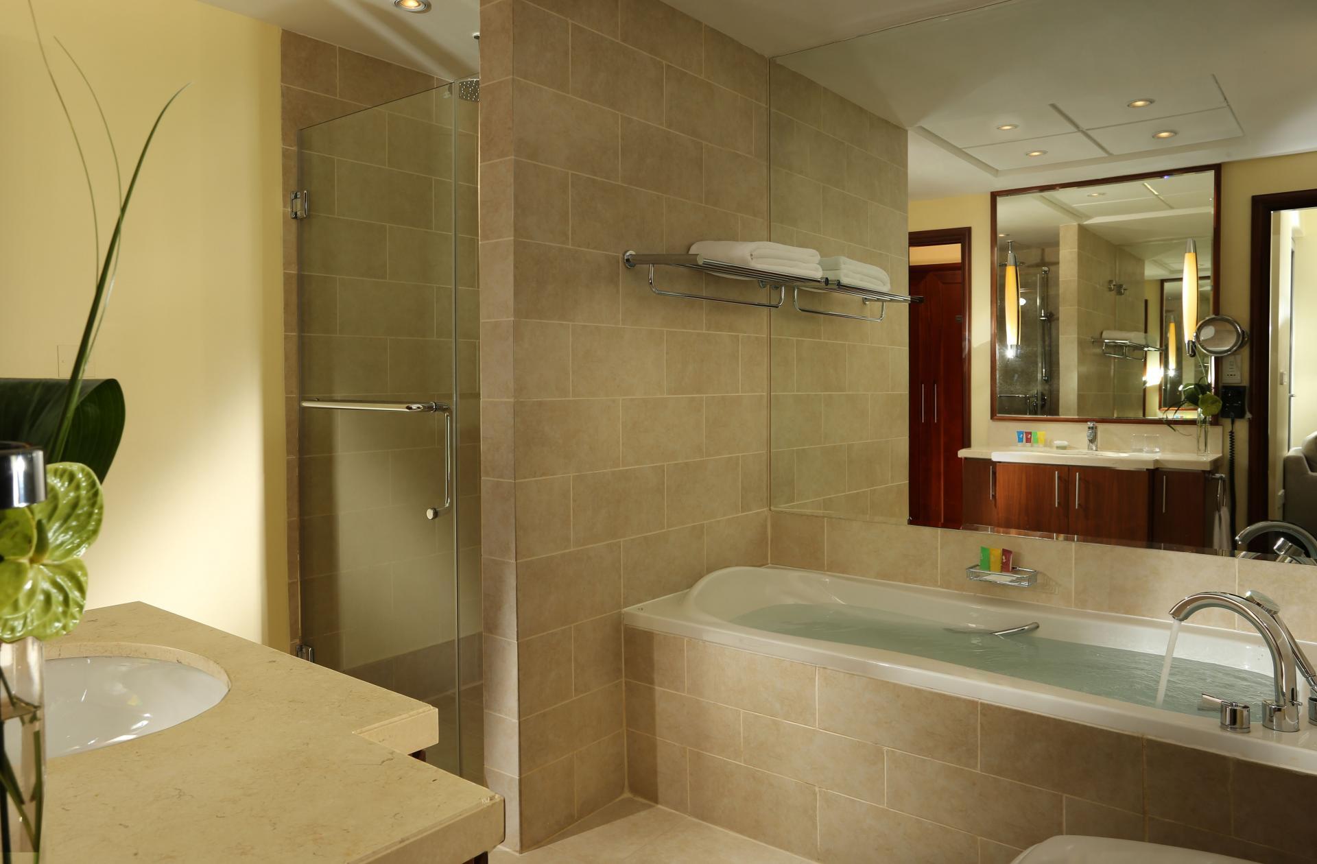 Bath Ramada at Downtown Dubai Apartments