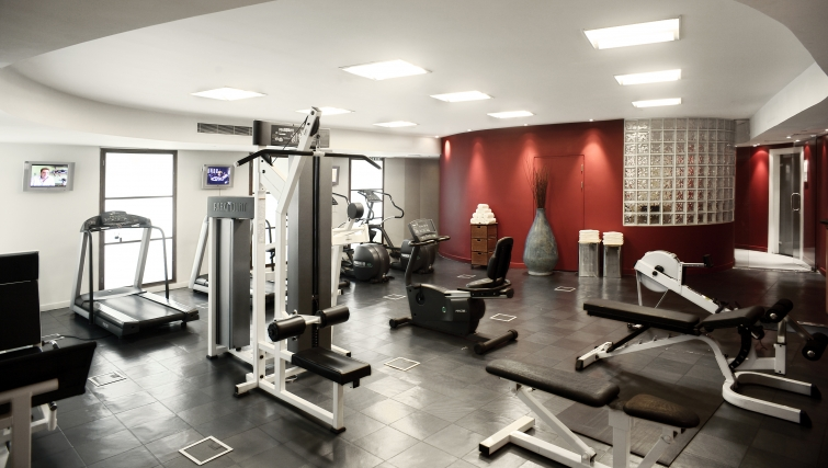 State of the art gym in Park Plaza Victoria