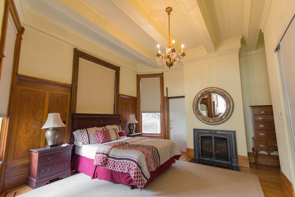 Bedroom at Pacific Heights Victorian Apartment, Cow Hollow, San Francisco