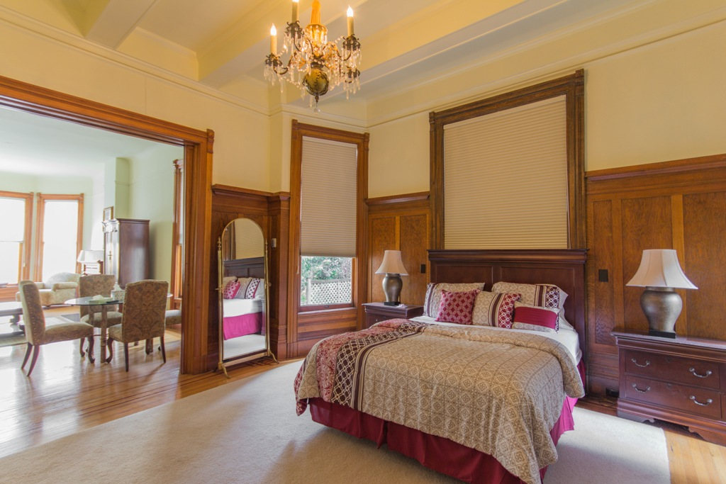 Bed at Pacific Heights Victorian Apartment, Cow Hollow, San Francisco