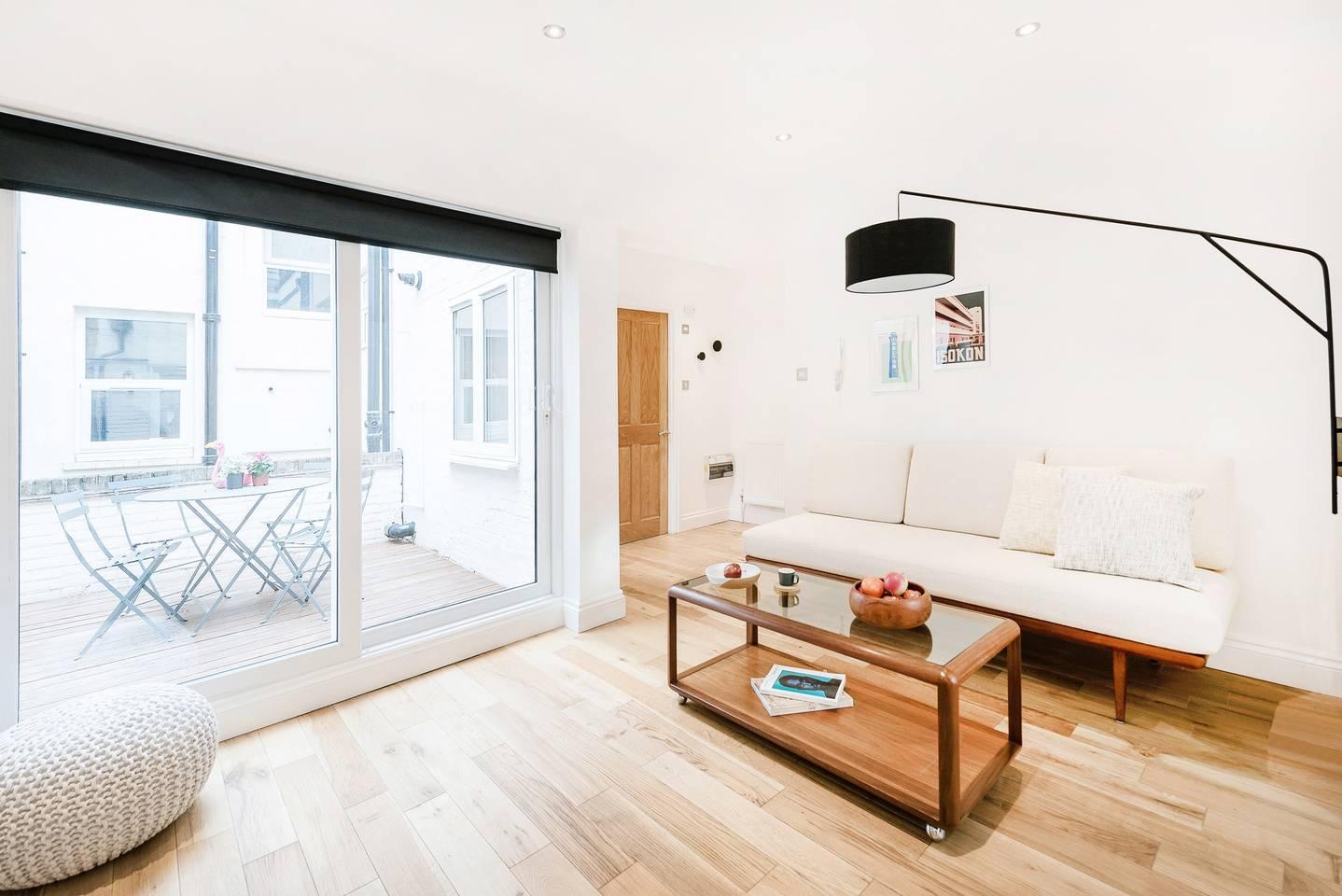 Soho Oxford Street Apartments, London, SilverDoor Apartments
