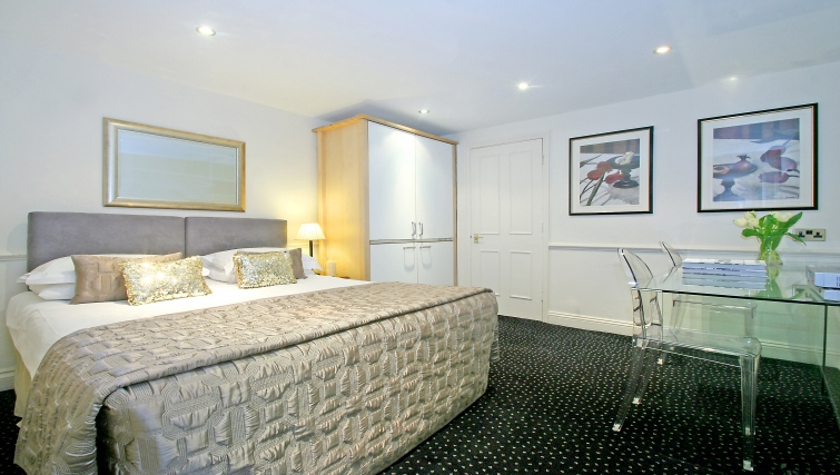 Sensational bedroom at Collingham Serviced Apartments