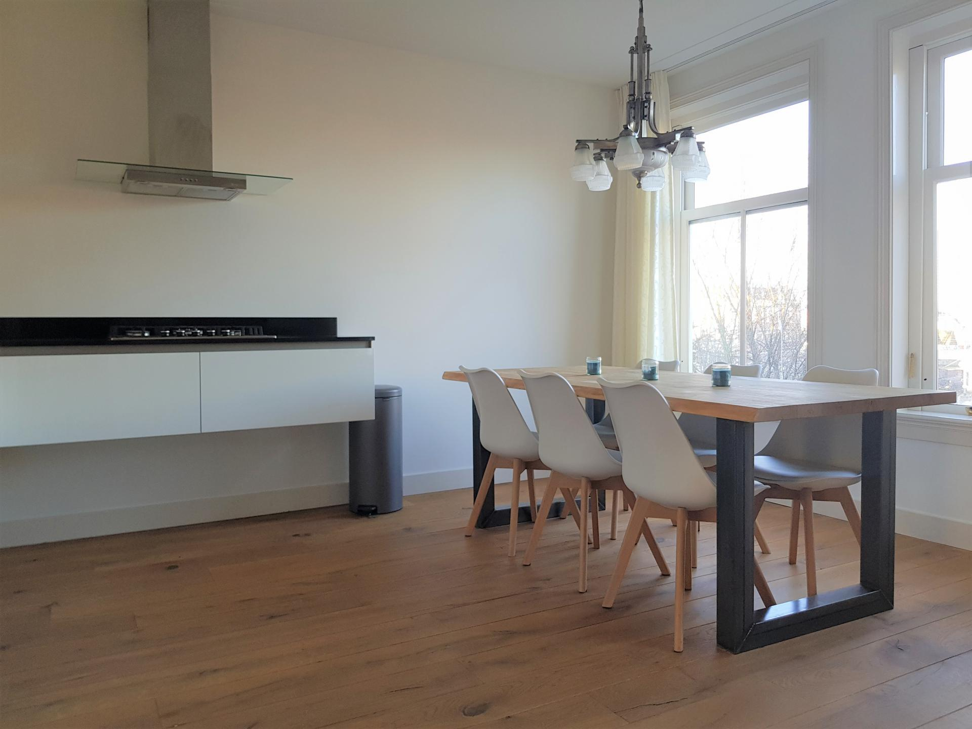Dining area at 21 Haarlemmerplein Apartments, Amsterdam