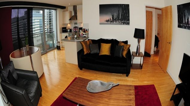 Contemporary living room in Cranbrook House Serviced Apartments