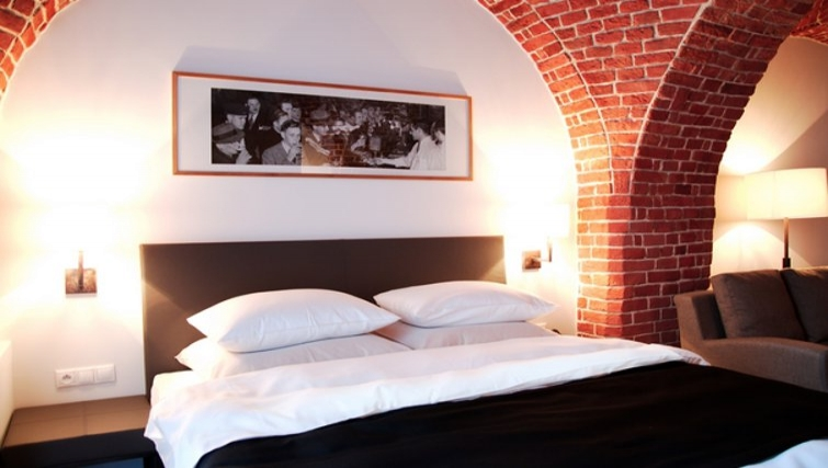 Comfortable bedroom in The Granary La Suite