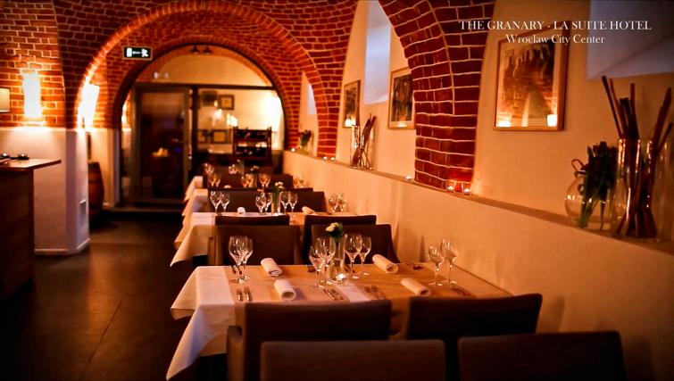 Restaurant in The Granary La Suite