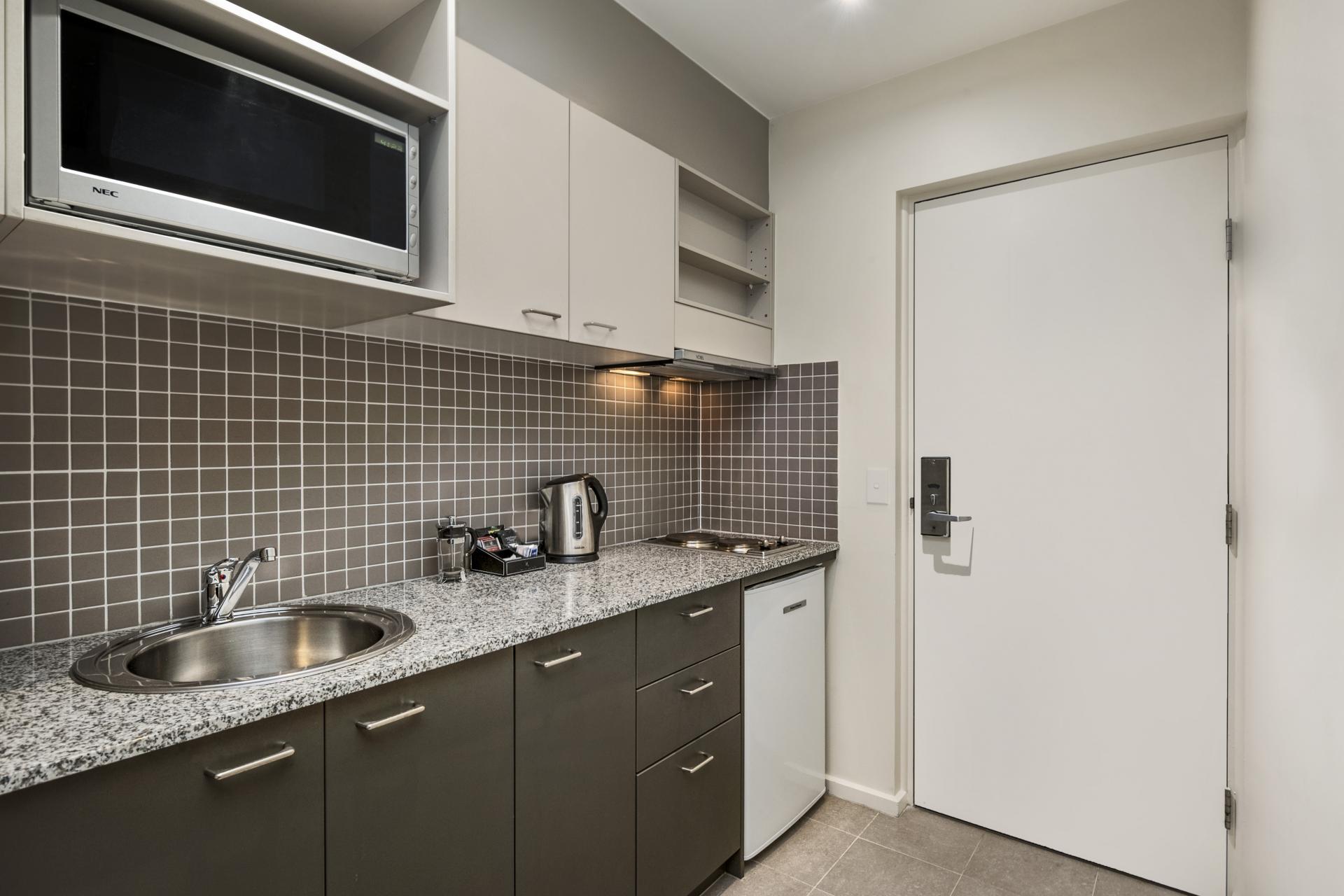 Quest Moonee Valley Apartments, Melbourne, SilverDoor ...