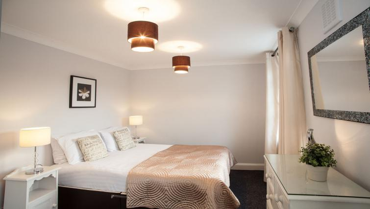 Bedroom double at Hammersmith Town Apartments