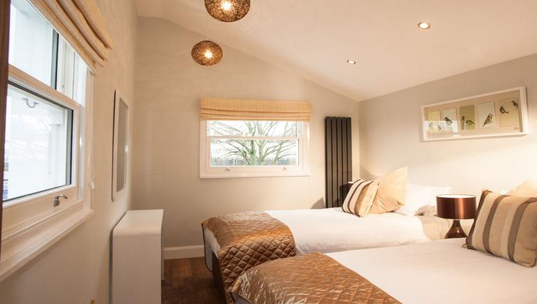 Bedroom twins at Hammersmith Town Apartments