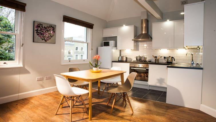 Kitchen overview at Hammersmith Town Apartments