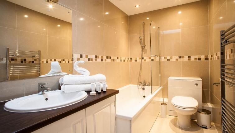 Bathroom at Hammersmith Town Apartments