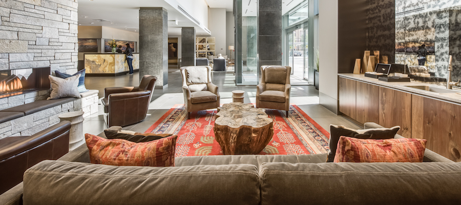 Resident Lounge at Country Club Towers