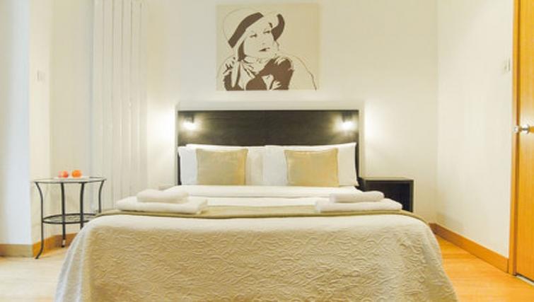 Lovely bedroom in Cartwright Gardens