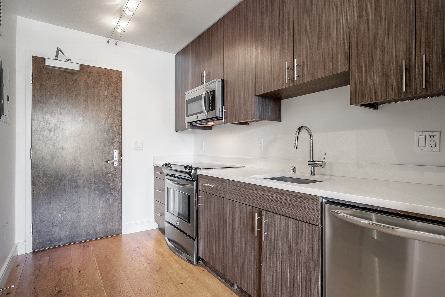 Modern kitchen at Ritch Street Apartments, South Park, San Francisco