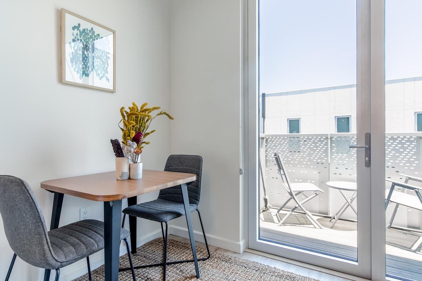 Dining area at Brannan Street Apartments