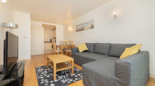 Living area Elite Stays Apartment, Hayes, London