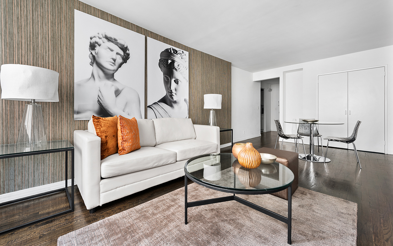 Impressive living area at 316 East 63rd Street Apartments, Manhattan, New York