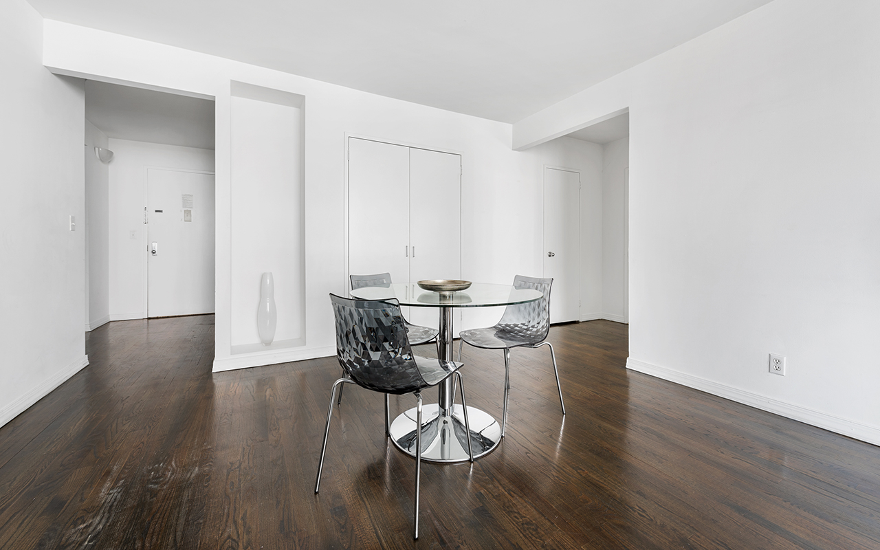 Dining area at 316 East 63rd Street Apartments, Manhattan, New York