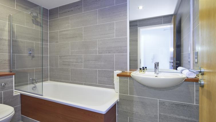 Bathroom at the Aparthotel Farnborough