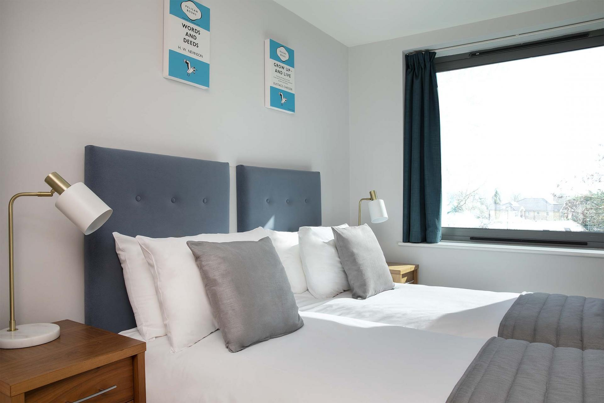 Twin beds at Aparthotel Farnborough