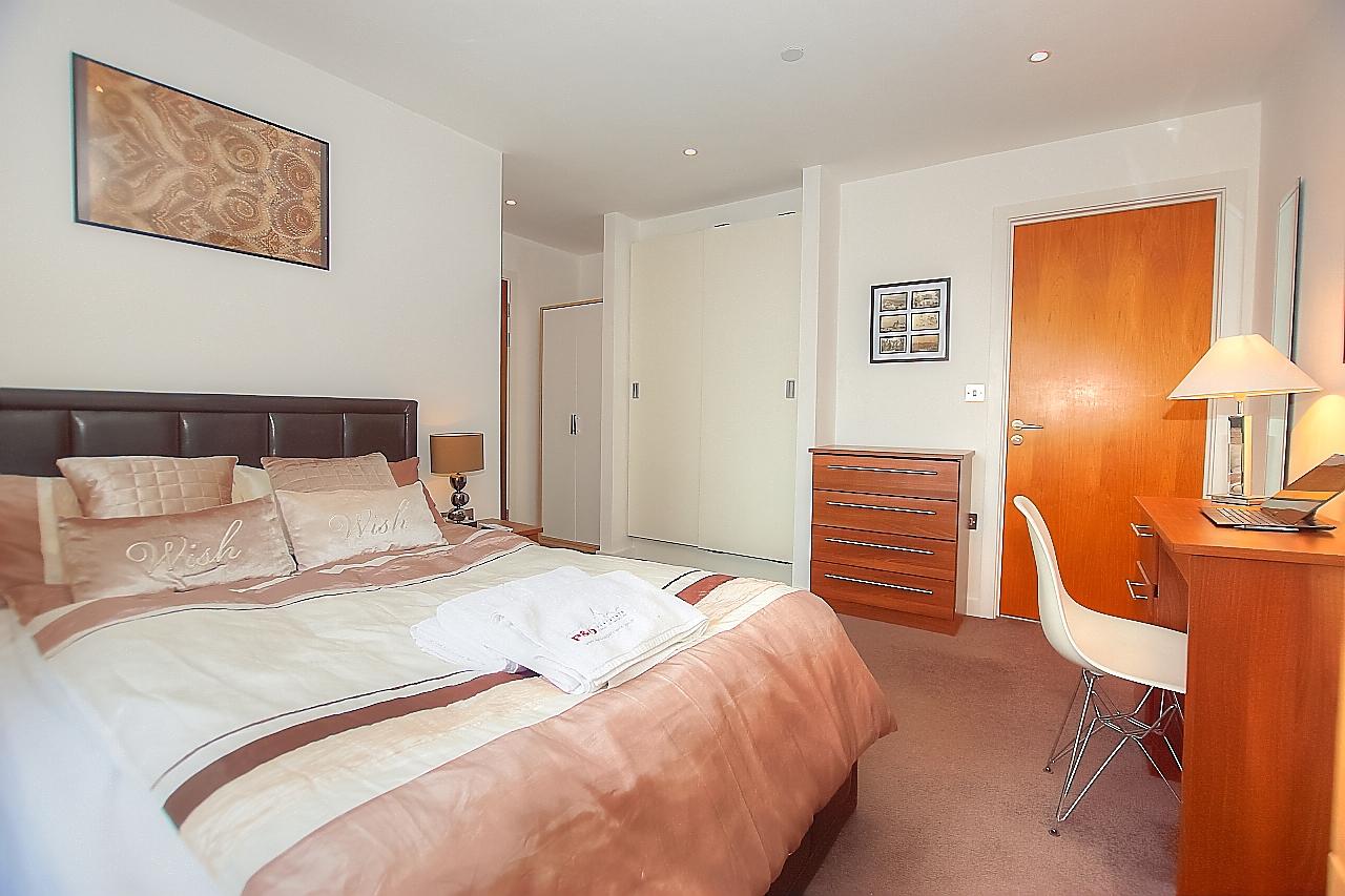 Munday Street Apartment, Manchester - SilverDoor Apartments