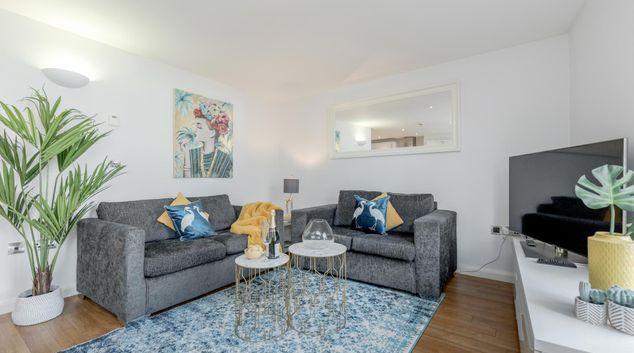 Living Room at Windsor William Street Apartments, Centre, Windsor