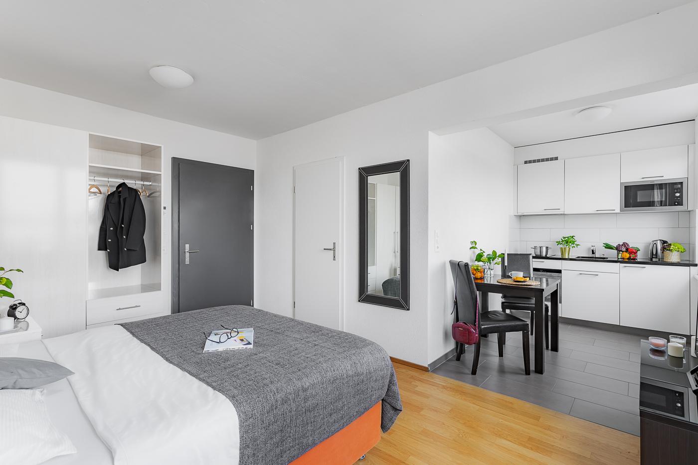 Bedroom at Oerlikon Lodge