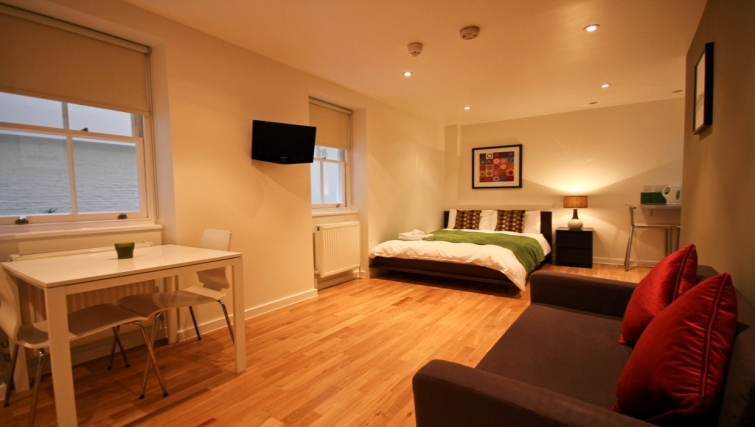 Studio at Princes Square Apartments