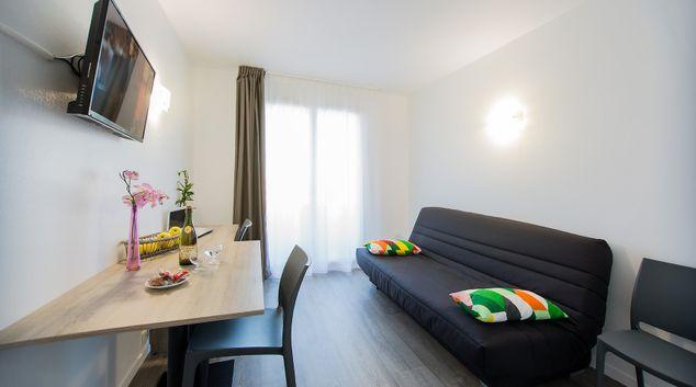 Living area at Toulouse Métropole Apartments, La Cepiere, Toulouse