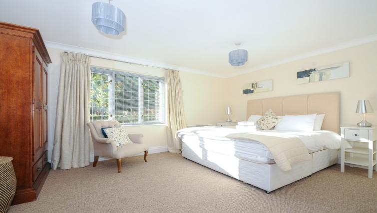 Bedroom at Windsor Forest Court Apartments